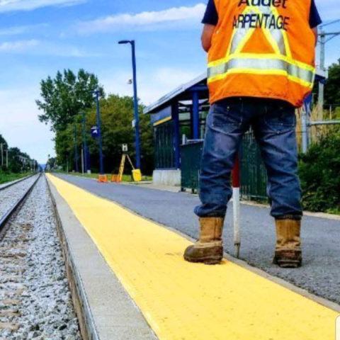 Changement des traverses du rail